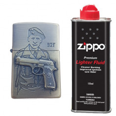 Bricheta tip zippo, 3D relief, metalica, soldat pistol 92F si lichid zippo 125 ml
