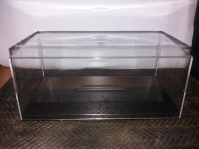 Cutie cu capac din plexi pentru macheta la scara 1:43 15 cm x 7 cm x 6 cm foto
