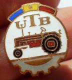 I.984 INSIGNA ROMANIA AUTO UTB UZINA TRACTORUL BRASOV TRACTOR V4 h18mm email
