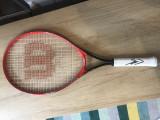 Simona Halep - racheta de tenis  cu autograful campioanei