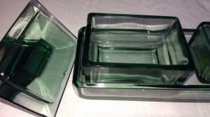 Veche trusa de toaleta din sticla verde oliv