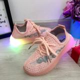 Cumpara ieftin Adidasi roz f moi cu lumini LED pt fetite 26 27 28 29 30, Fete