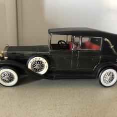 Masina de epoca,radio vechi german