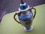Deosebita urna/vaza din portelan scena renascentista