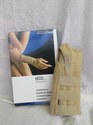 Orteza fixa de incheietura mainii ARCUS pt mana dreapta, marime M foto