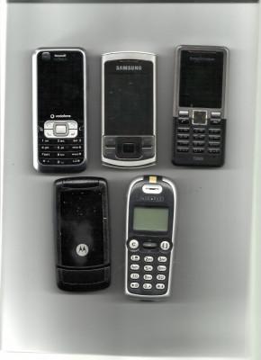 Vand 5 telefoane mobile vechi cu butoane pentru piese foto