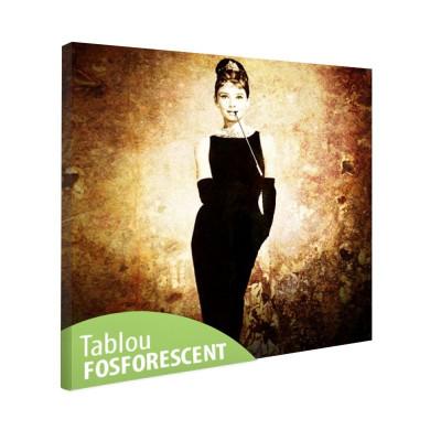 Tablou fosforescent Actrita Audrey Hepburn foto