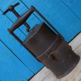DEOSEBITA SI RARA! LAMPA DE MINA / MINER PE CARBID - FACUTA DIN FIER - ANII 1800