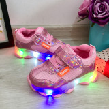 Cumpara ieftin Adidasi roz metalic cu lumini LED si scai pt fetite 21 22 23, Fete