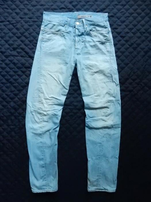 Blugi Levi's Engineered Jeans. Marime 30, vezi dimensiuni; impecabili ca noi