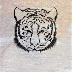 Tricou pictat manual cu cap de tigru