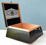 Cutie pentru tabacuri, tutun, tigari, trabuc - Camacho  - Triple Maduro