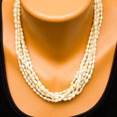 Colier vechi din perle de apa dulce