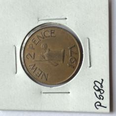 P582 GUERNSEY 2 NEW PENCE 1971