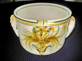 3016-Jardiniera veche din ceramica pictata cu motiv floral marcata si semnata.
