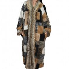 Jacheta nuanta maro,din lana cu captusala subtire