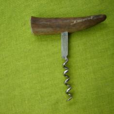 Tirbuson cu maner din corn de ren