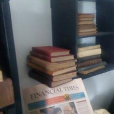 Carti vechi reducere la 2bucati