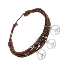 Brățară cu șnururi, culoare maro, biluțe și amulete argintii - semnul păcii