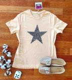 Tricou dama bumbac fin 100% crem cu maneca scurta si imprimeu din paiete STAR