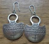 Cercei  zamac argintat - inspiratie antica