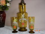 Cumpara ieftin set foarte vechi din sticla groasa, carafa si 2 pahare