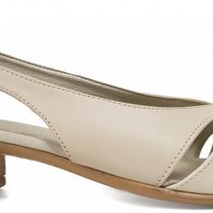 Pantofi dama decupati cu toc jos Ninna Art 227 bej