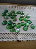 Pietre decorative din sticla, 26 bucati per lot