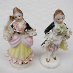 Doua figurine din portelan fin german - perioada interbelica, Statuete
