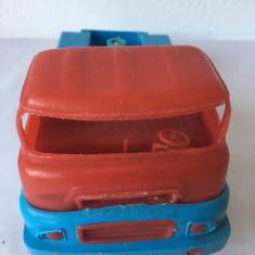 Jucarie camion plastic vechi (posibil romanesc?) 23 cm lungime, colectie