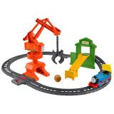 Cumpara ieftin Set Thomas and Friends Cassia Crane and Cargo sina cu locomotiva motorizata si vagon, Mattel