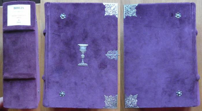 Biblia Carol I , 1914 , legatura in plus si ornamente de argint filigranat