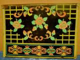 A761-Tabla veche colorata cu design floral. Marimi: 70/ 50 cm.