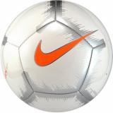 Cumpara ieftin Minge fotbal Nike Pitch