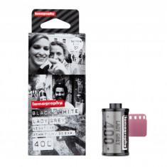 3 Filme foto - Lady Grey B&W 400 ISO 35mm | Lomography
