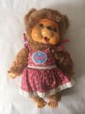 Monchhichi Puschel, ursulet fetita in rochita, jucarie plus 27 cm, vintage, maro