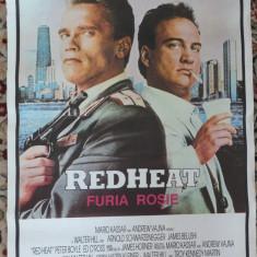 2 afise de film : Necrutatorul , Clint Eastwood , Furia rosie , Schwarzenegger