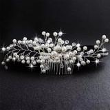 Accesoriu de par handmade, cu perle si margele