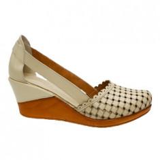 Pantof clasic de vara, nuanta bej, design de patratele imprimate