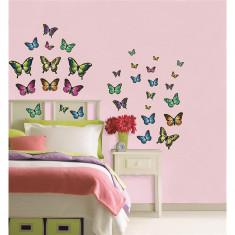 Stickere decorative fosforescente cu fluturasi WallPops Butterflies Glow in the dark