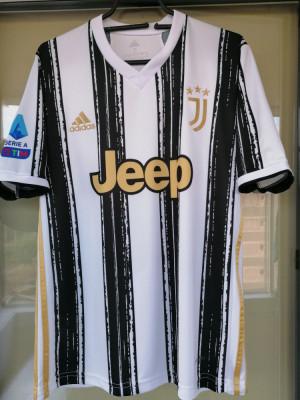Tricou Juventus model 2021 foto