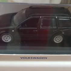 Macheta VW Golf 4 IV Variant 1/43 Minichamps