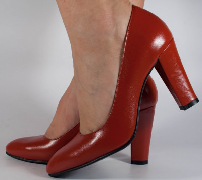 Pantofi rosii cu toc piele naturala (cod 189) foto