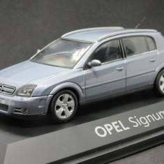 Macheta Opel Signum Schuco 1:43