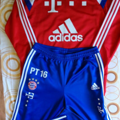 Echipament Adidas Bayern Munchen original, L