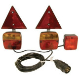 Kit magnetic remorca auto Carpoint cu lampi , cablu de 4,5m, fisa remorca , triunghi reflectorizante si lampa ceata