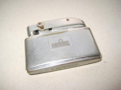 B966-I-Bricheta CONSUL BESMER veche alama argintata nefunctionala. foto