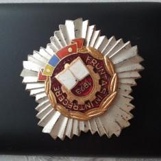 1973 Insigna Fruntas in intrecere