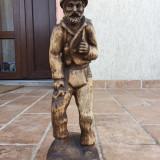 Statueta sculptata din lemn