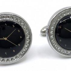 Butoni Noir Clock by Borealy